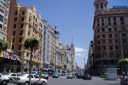 Gran Vía, Madrid by A Rajo