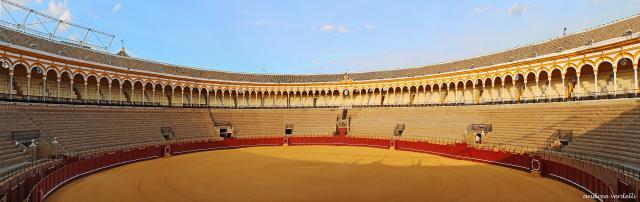 Plaza_de_Toros_de_la_Real_Maestranza_-_Sevilla
